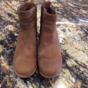 EUC American Eagle booties